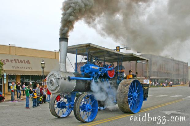 cherokee-strip-parade-steamer