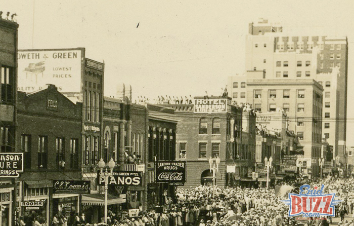 independence-broadway-1932