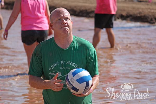 mud-volleyball-serve