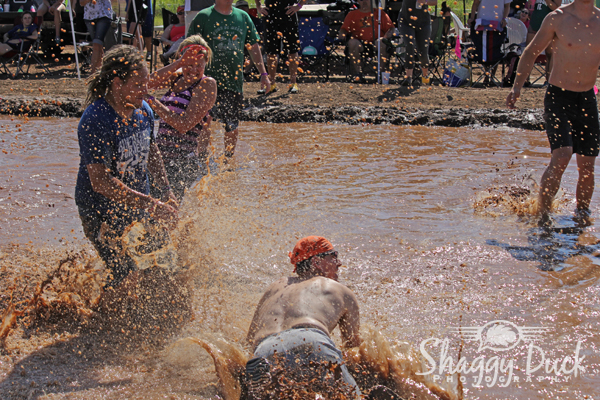 mud-volleyball-splash