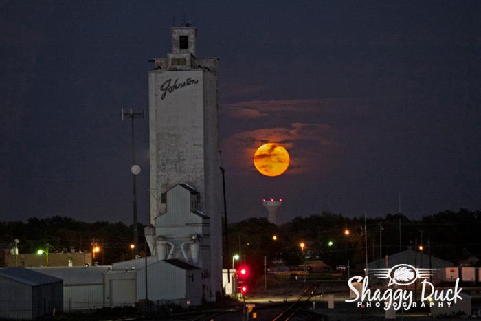 super-moon-railroad-3