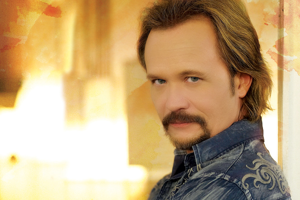 Travis Tritt Brings Acoustic Set To Enid