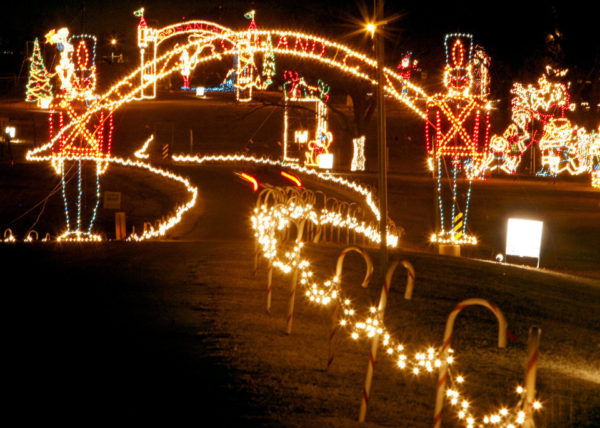 when this holiday light display began in 1995 it was just a family tradition with 44 light displays it has now grown to over 100 animated light displays - Chickasha Christmas Lights
