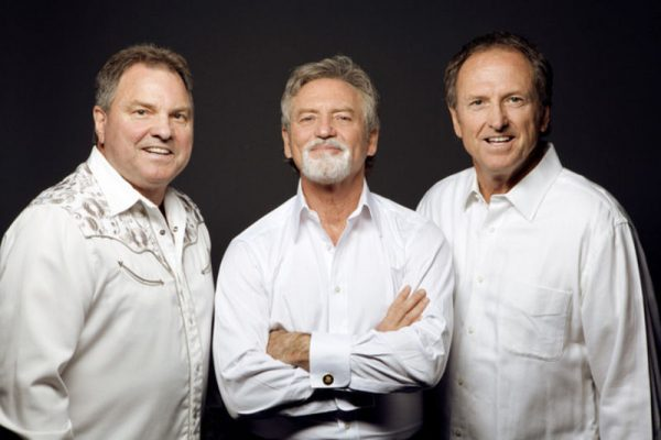 Larry Gatlin and the Gatlin Brothers Country & Christmas